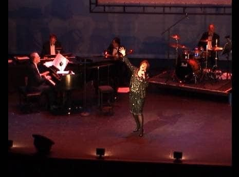 Melanie Parry sings Judy Garland
